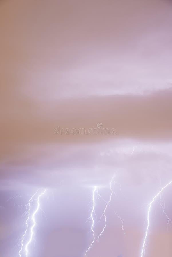Шторм грома и молнии стоковое изображение