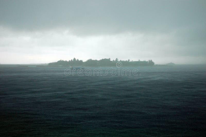 шторм Мальдивов стоковые изображения