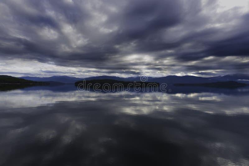 Шторм над озером священник стоковое изображение rf