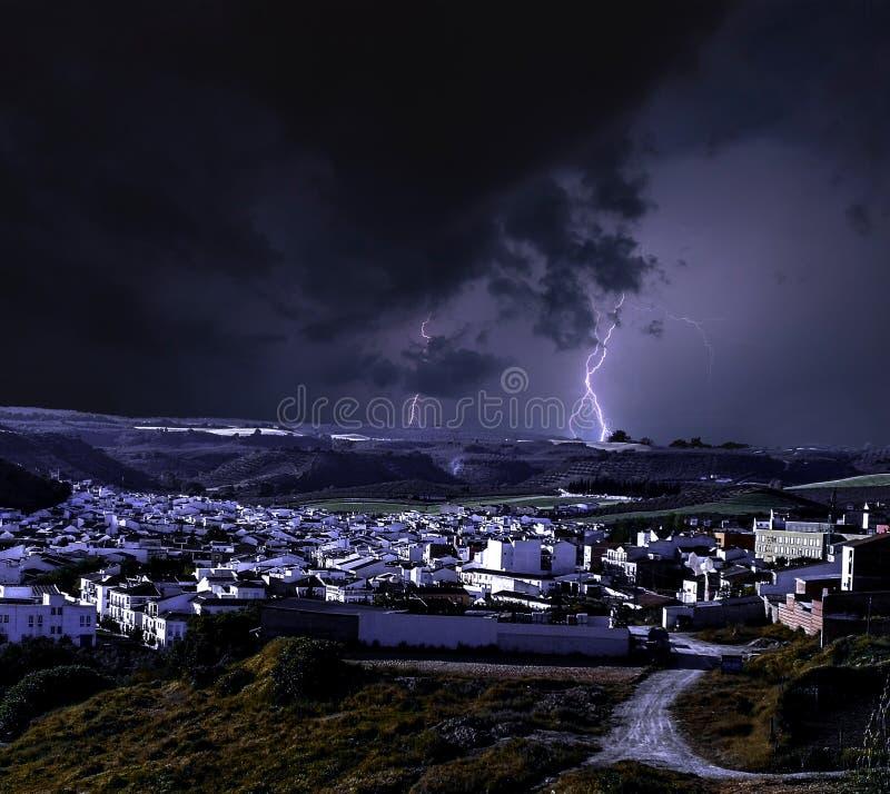 Шторм на Ronda, дальше самых старых деревень в Андалусии стоковое фото rf