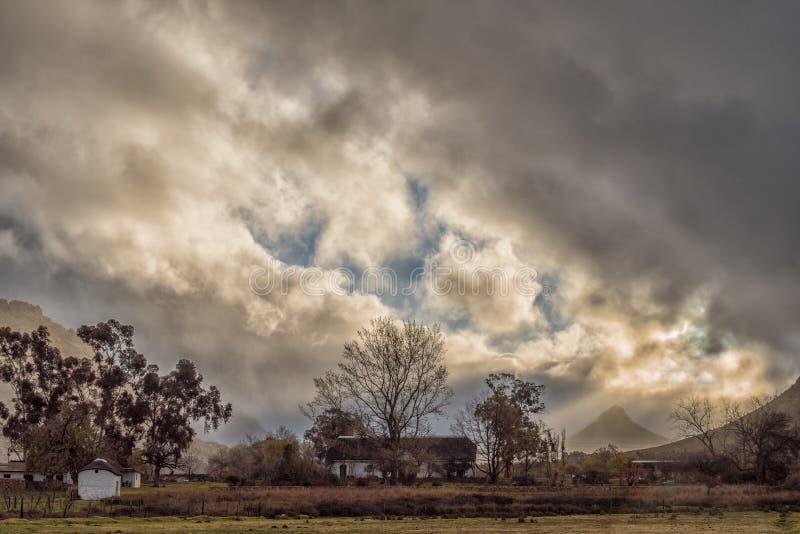 Шторм причаливая на парке Kromrivier Cederberg стоковое фото