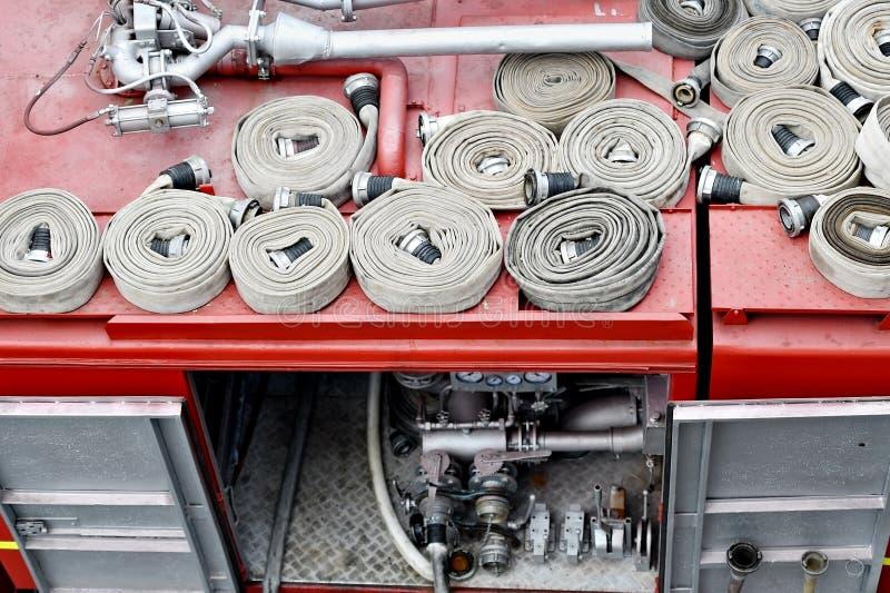 Шланги воды na górze корабля пожарного стоковые изображения rf