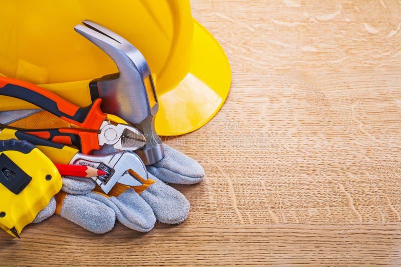 Шлем молотка с раздвоенным хвостом острозубцев ключа карандаша Tapeline стоковое изображение rf