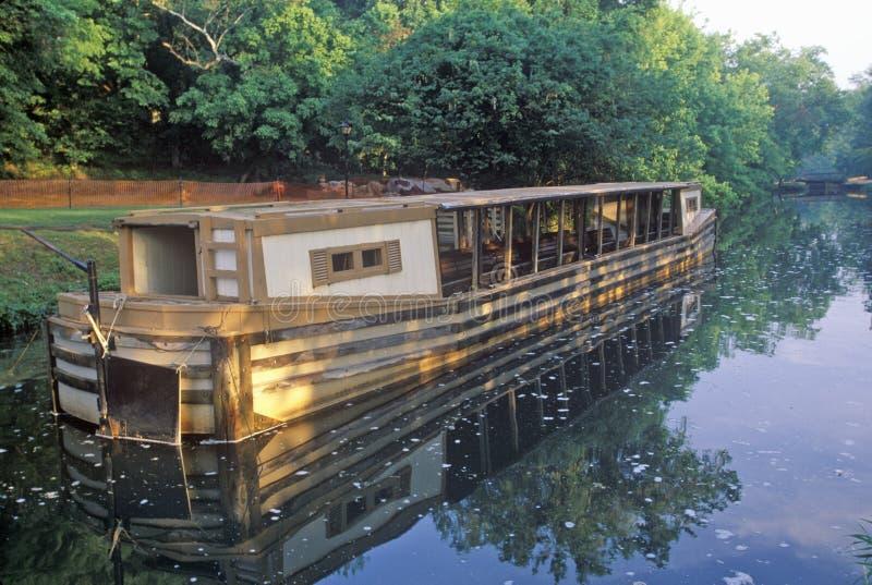 Шлюпка канала, большие падения, Мэриленд стоковые фотографии rf