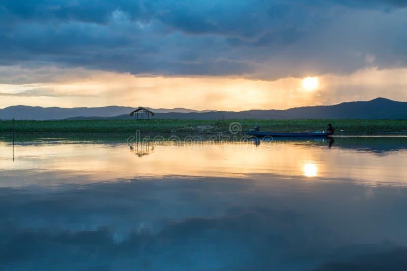 Шлюпка рыболова, Таиланд стоковое фото
