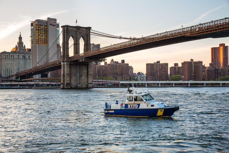 Шлюпка Управления полиции Нью-Йорка стоковое изображение