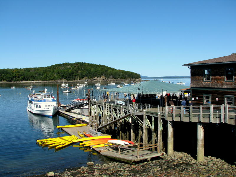 Шлюпка для sightseeing в гавани Мейне США бара стоковое фото rf