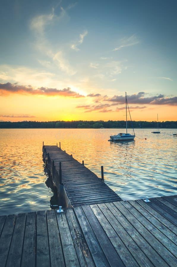 Шлюпки в озере стоковая фотография