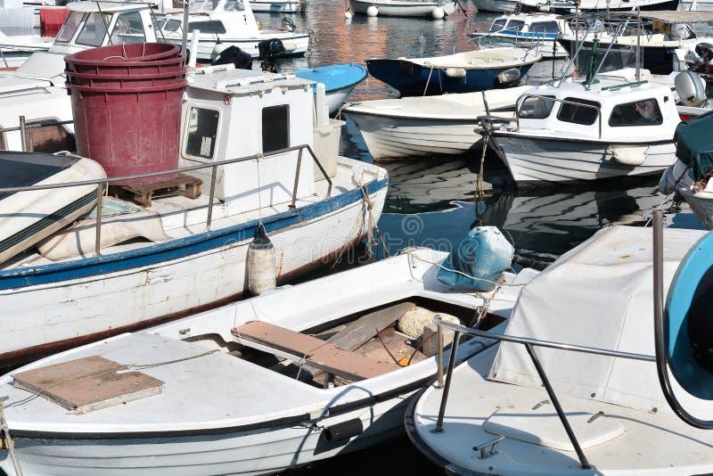 Шлюпки в порте Rovinj стоковые фото