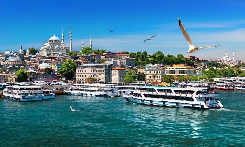 Шлюпки в Стамбуле стоковая фотография