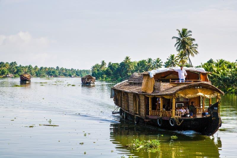 Шлюпки круиза Кералы стоковые фото