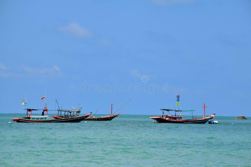 Шлюпки на острове Phangan, Таиланде стоковая фотография
