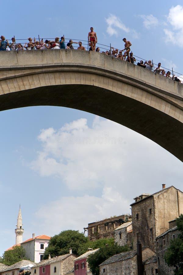 Шлямбуры на старом мосте в Мостаре стоковые фотографии rf