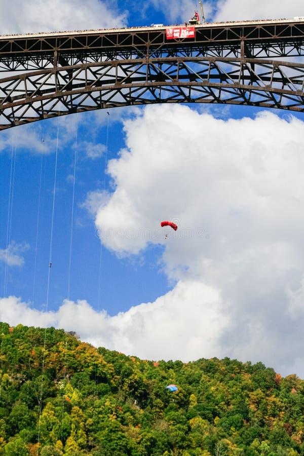 Шлямбуры основания моста ущелья нового реки дня моста стоковая фотография rf