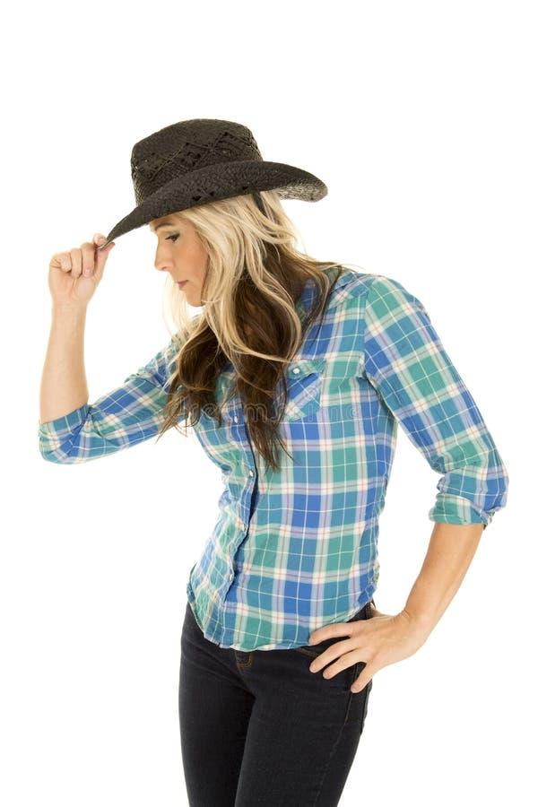 Шляпа касания стороны рубашки пастушкы голубая стоковое фото