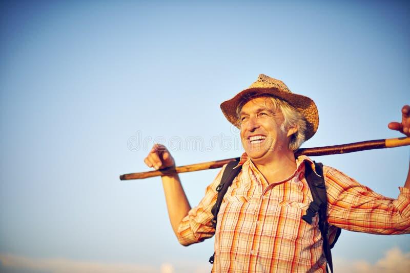 Шляпа человека луга лета Outdoorsman стоковое изображение rf