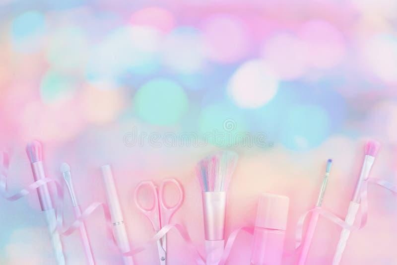 Щетки пинка макияжа единорога красоты праздничные стоковая фотография rf