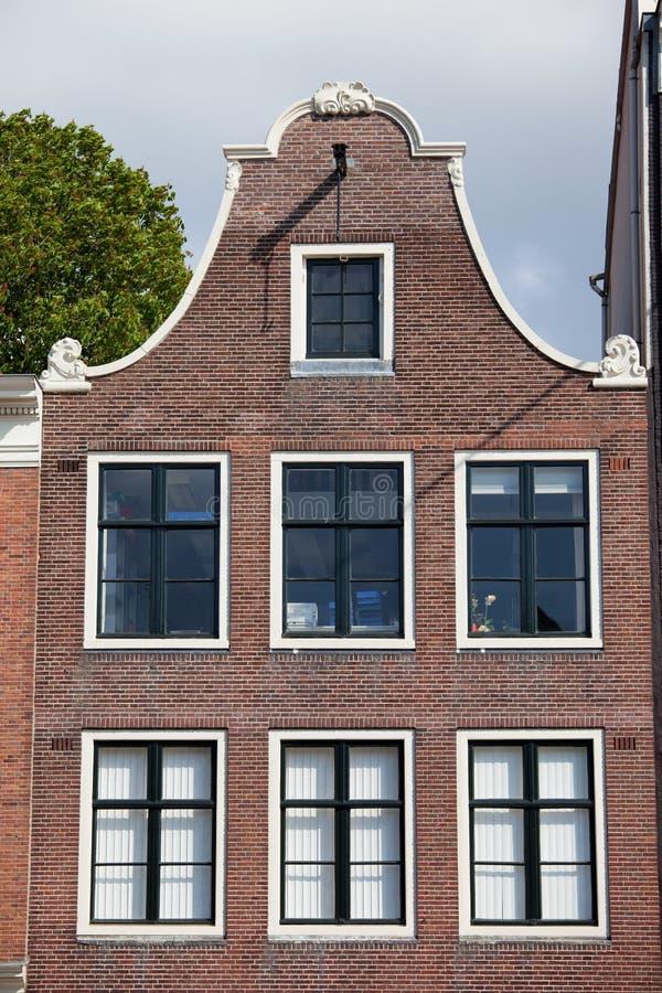 Щипец колокола дома Амстердама стоковая фотография