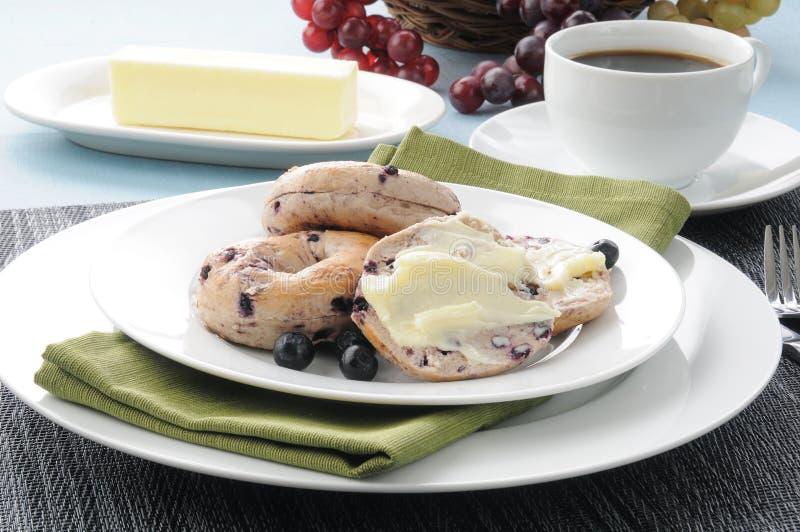 Ые bagels голубики стоковое изображение