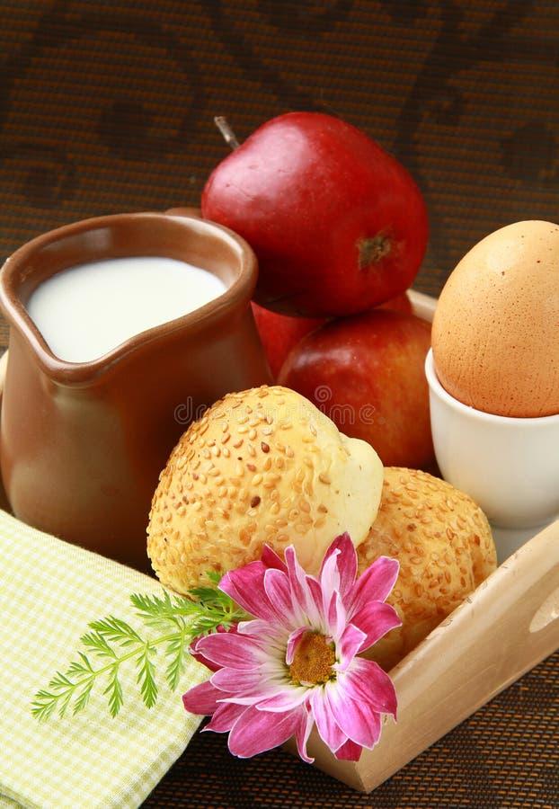 ый сезам молока яичка плюшек завтрака стоковые изображения
