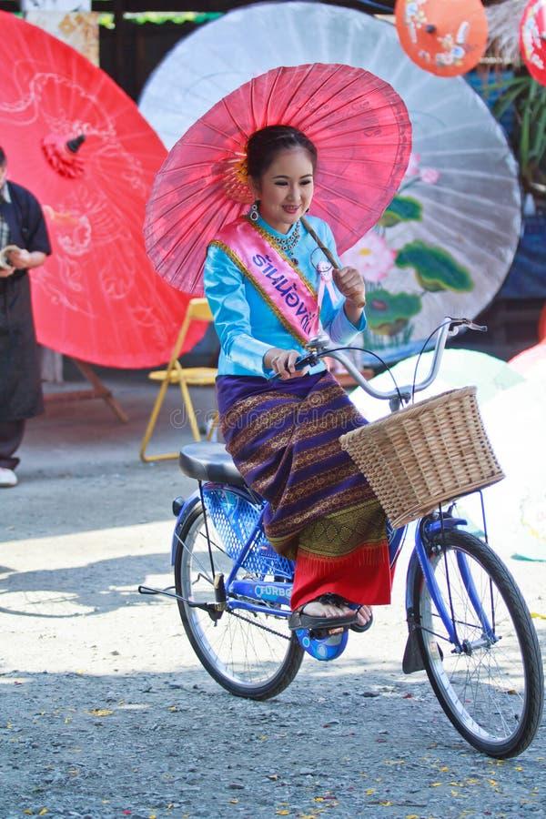 30-ый фестиваль зонтика Bosang годовщины в провинции Chiangmai Таиланда стоковое изображение rf