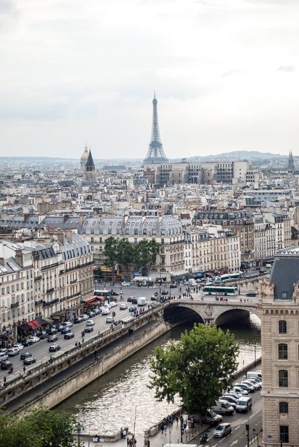 Эйфелева башня в Париже стоковое изображение