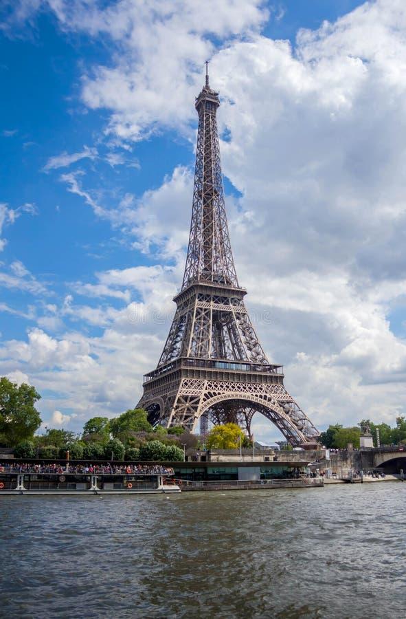 Эйфелева башня в Париже, Франции стоковое фото rf