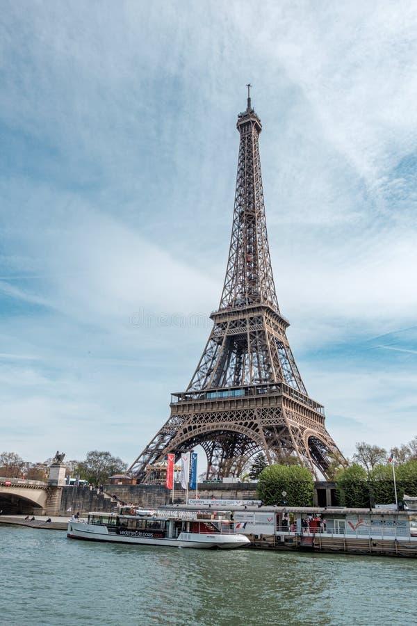Эйфелева башня на утре, Париж, Франция стоковая фотография