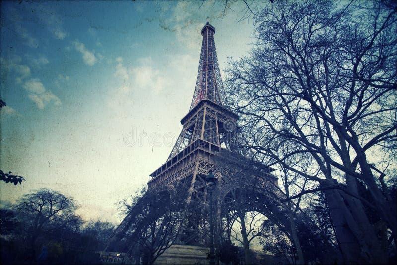 Эйфелева башня - винтажное фото стоковая фотография