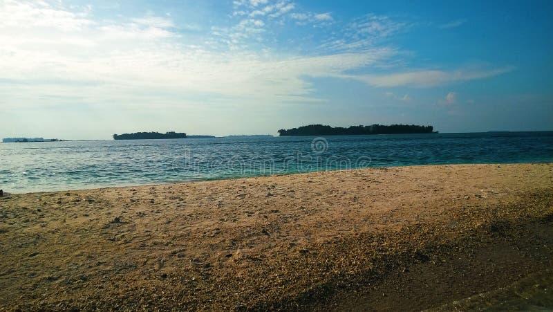 Экзотический тропический пляж в Kepulauan Seribu Индонезии стоковые фото