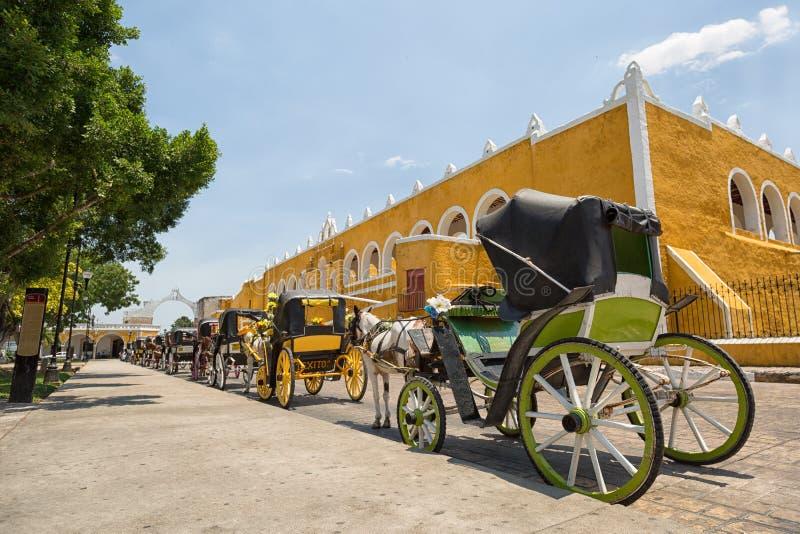 Экипажи в Izamal Мексике стоковые изображения