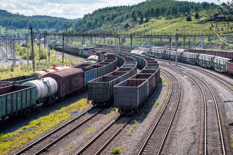 Экипажи железной дороги перевозки стоковые изображения rf