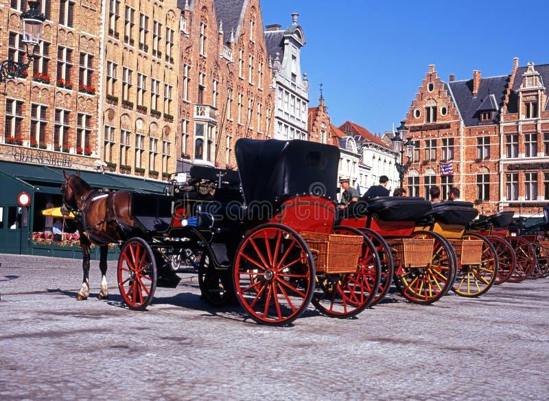 Экипажи нарисованные лошадью, Брюгге стоковое изображение