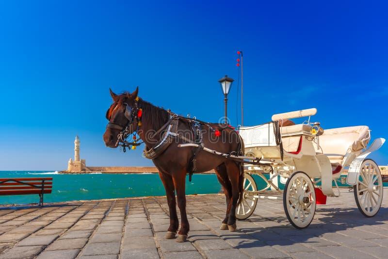Экипаж лошади, старая гавань, Chania, Крит, Греция стоковые изображения rf