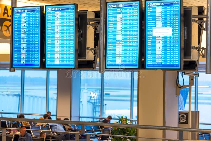 Экраны информационного дисплея полета IAH стоковая фотография rf