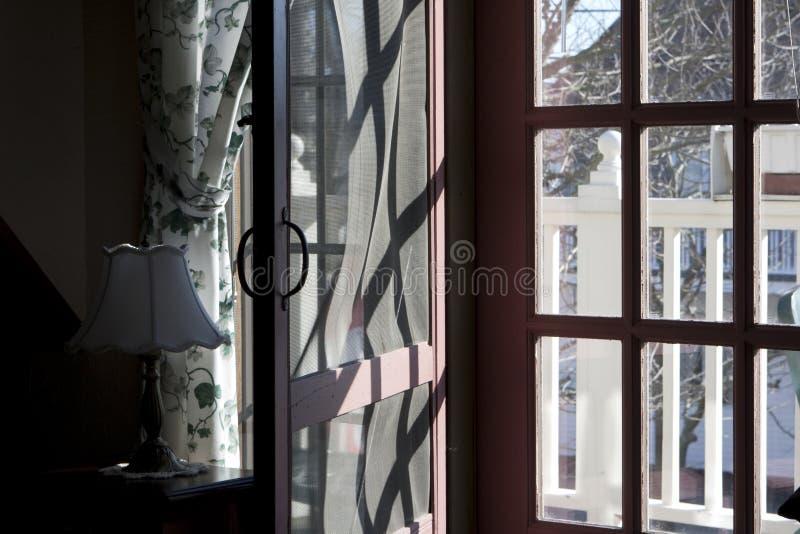 экран двери деревянный стоковые фото