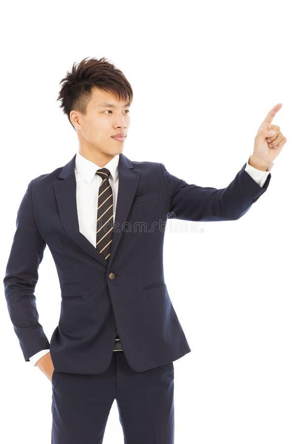 Экран руки и пальца бизнесмена касающий на белизне стоковая фотография rf