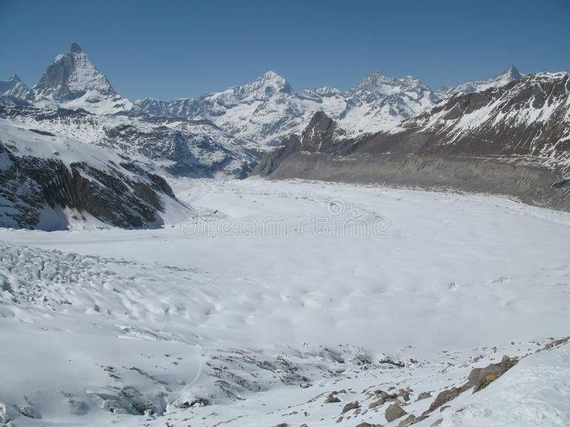 Экспансивные ледник и Маттерхорн Gorner выступают около Zermatt стоковое изображение