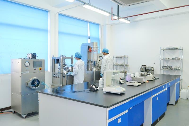 Эксперимент по лаборатории стоковое изображение rf