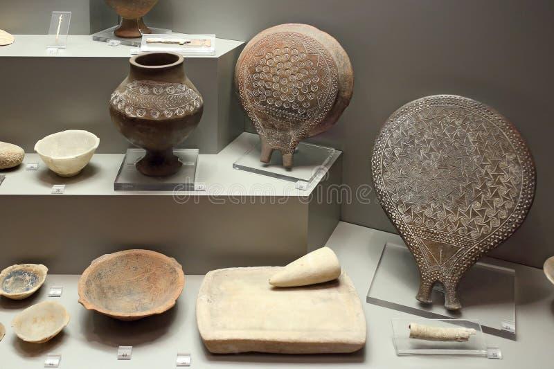 Экспонаты Cycladic в музее археологии, Афинах, Греции стоковые фото