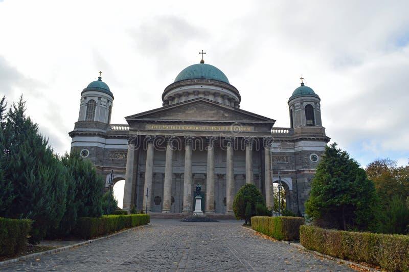 Экстерьер базилика Esztergom, Esztergom, Венгрия стоковое фото rf