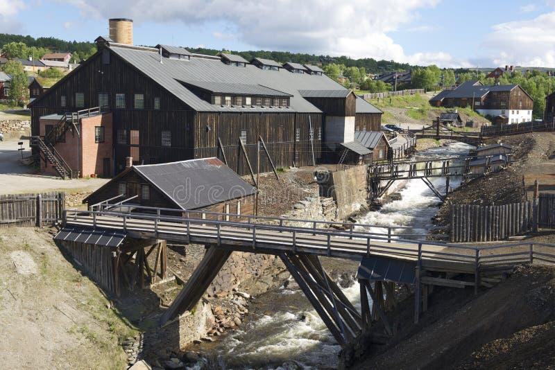 Экстерьер бывшей медной фабрики комбината в Roros, Норвегии стоковая фотография rf