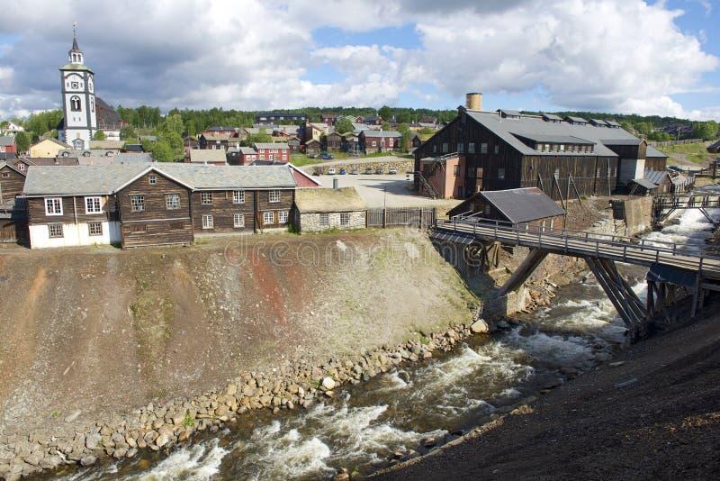 Экстерьер бывших медных зданий фабрики комбината и фабрики тимберса в Roros, Норвегии стоковая фотография rf
