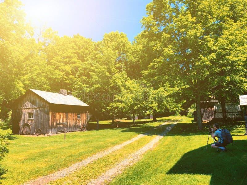 Экстерьер домов в деревне Millbrook стоковое фото