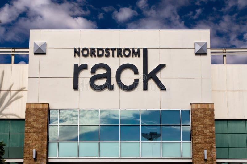 Экстерьер магазина розничной торговли шкафа Nordstrom стоковые фотографии rf