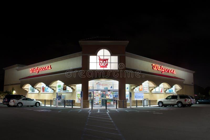 Экстерьер магазина розничной торговли Walgreens стоковое изображение