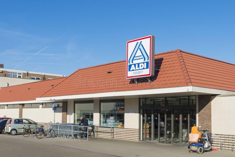 Экстерьер магазина Aldi стоковые изображения rf