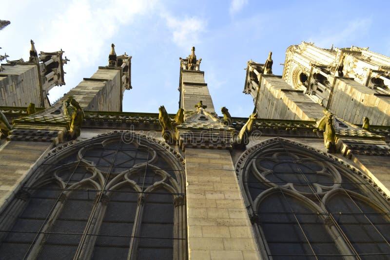 Экстерьер Нотр-Дам de Парижа стоковая фотография