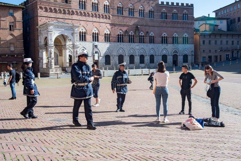 Экстренная ситуация с коронавирусом в Италии стоковое фото rf