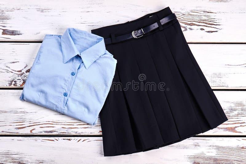 Элегантные рубашка и юбка хлопка стоковое фото rf